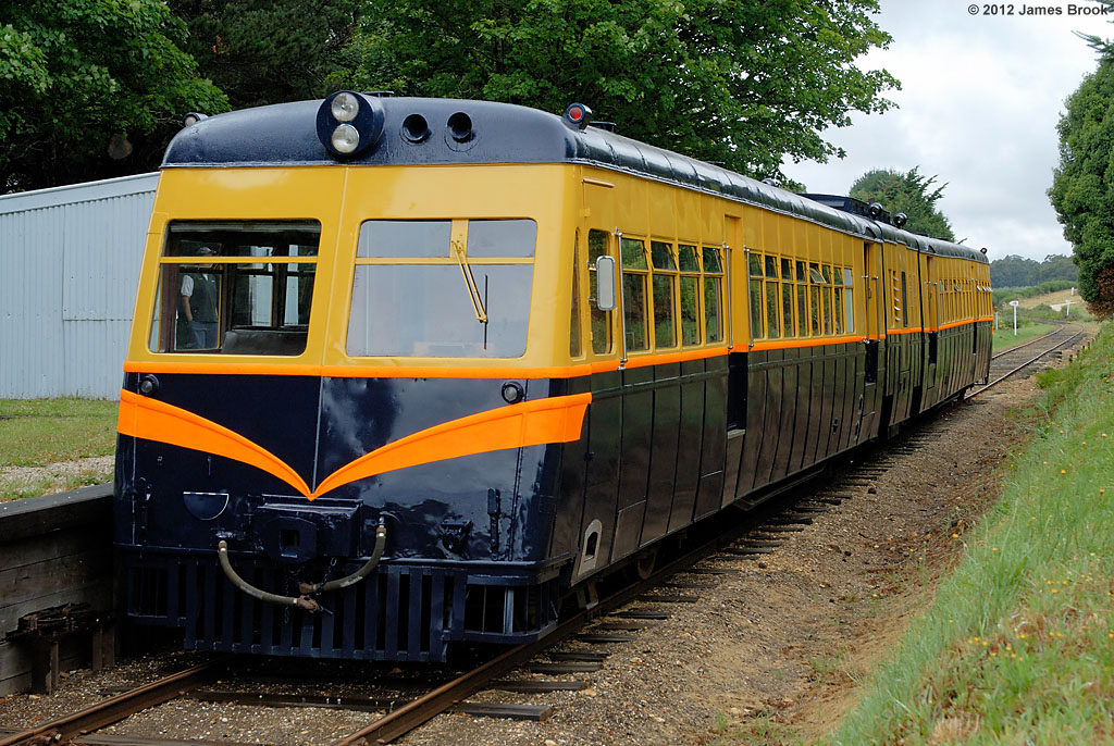 This was 91RM's first day back in service following an overhaul and repaint by James Brook