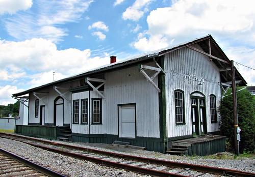 old railroad train virginia rustic tracks bluesky depot norfolkwestern 1883 meadowview allysonleighphotography
