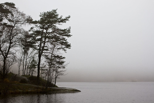 mist lake göteborg sweden gothenburg sverige canonef35mmf2 sisjön canoneos7d