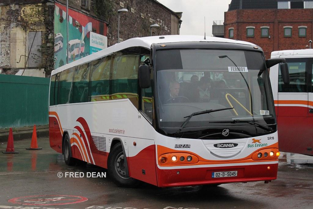 Bus Eireann SR19 (02D5045).