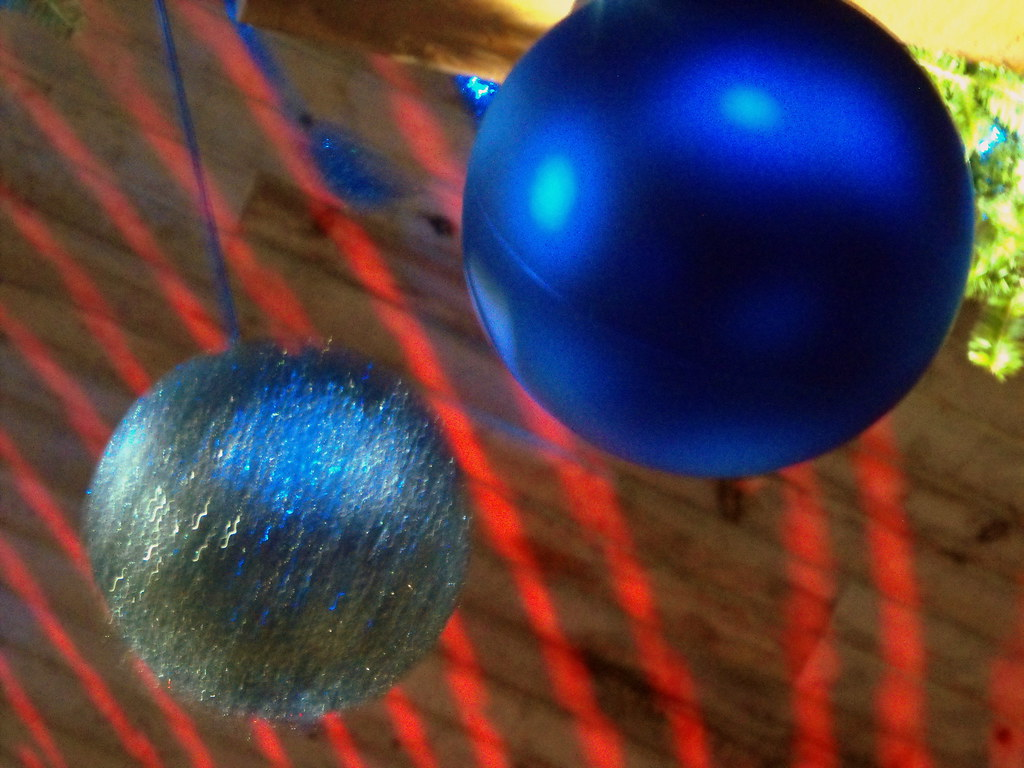 Decorative Balls Hang From The Ceiling Mark Flickr