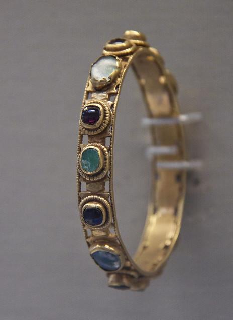 Gold bracelet, Roman, 4c AD