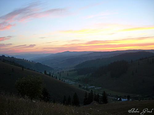 summer mountains sunrise romania transylvania napfelkelte gyimes gyimesközéplok luncadejos