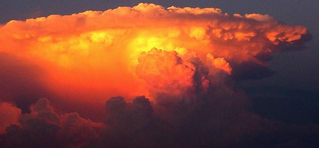 082705 - Thunderstorm to the Northeast of Kearney Nebraska