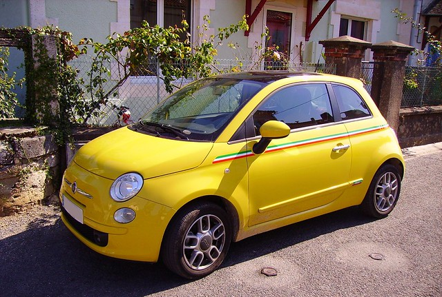 Fiat 500 giallo, modello 2007