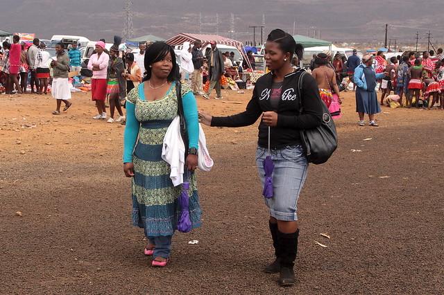 Izintombi Zenhlanzeko Zulu reed dance Costume - YouTube