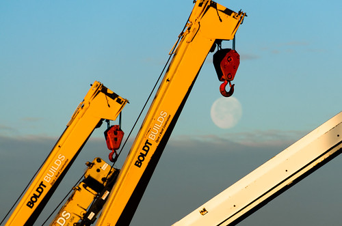 moon wisconsin sunrise construction scenic cranes moonrise moonset appleton boldt