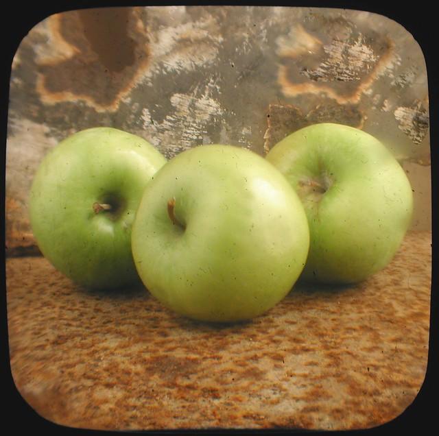 Ttv Three Apples 3Feb2012