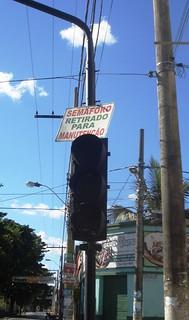 Semáforo no Centro de Januária quebrado novamente