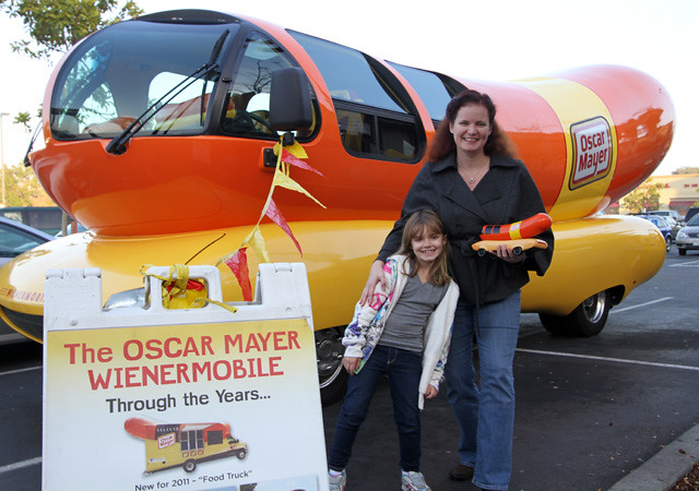 The Wienermobile Could Be Yours For a Whole Day Blazenfluff