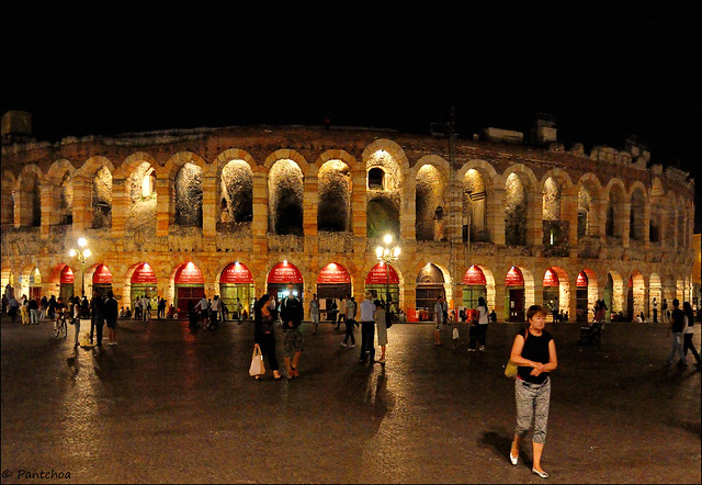 Verona : Arena by night