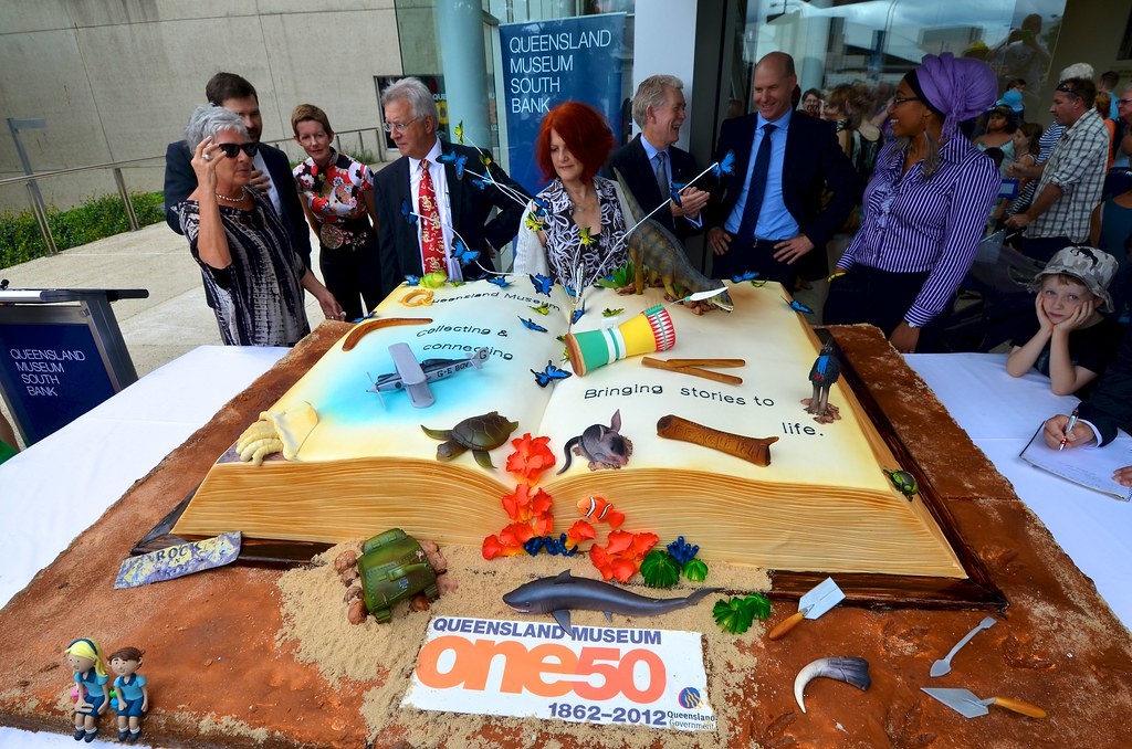 Remarkable The Biggest Birthday Cake Ever Tourism Queensland Flickr Funny Birthday Cards Online Fluifree Goldxyz