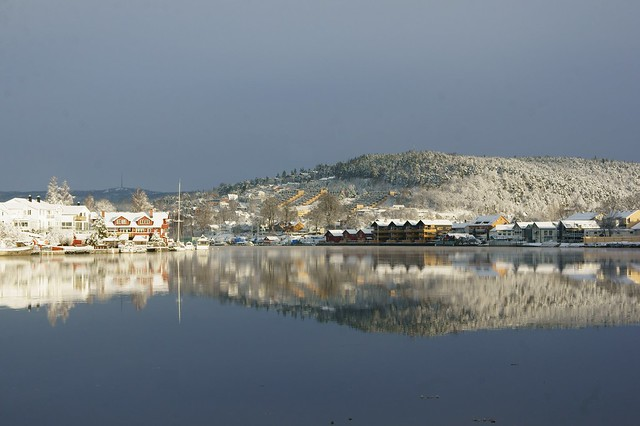 Porsgrunn river the day after first snowfall 2011