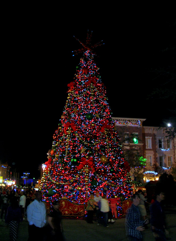 Christmas At Universal Studios Orlando.Universal Orlando Universal Studios Christmas Tree At