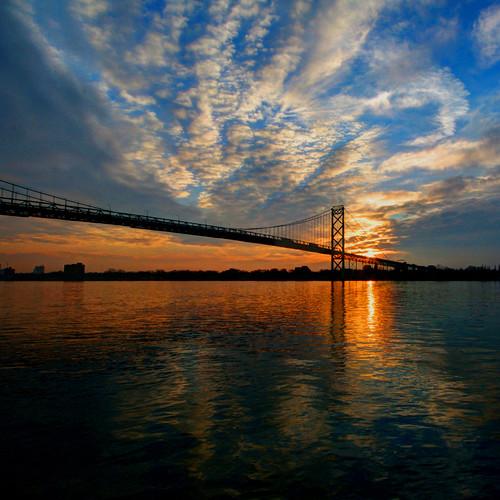 bridge ontario sunrise canon reflections michigan detroit windsor detroitriver ambassadorbridge mikekline michaelkline takingpictureswithfriends notkalvin notkalvinphotography