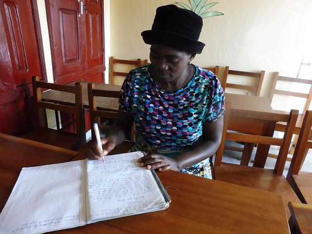 Alfabetización y promoción de mujeres en el Congo