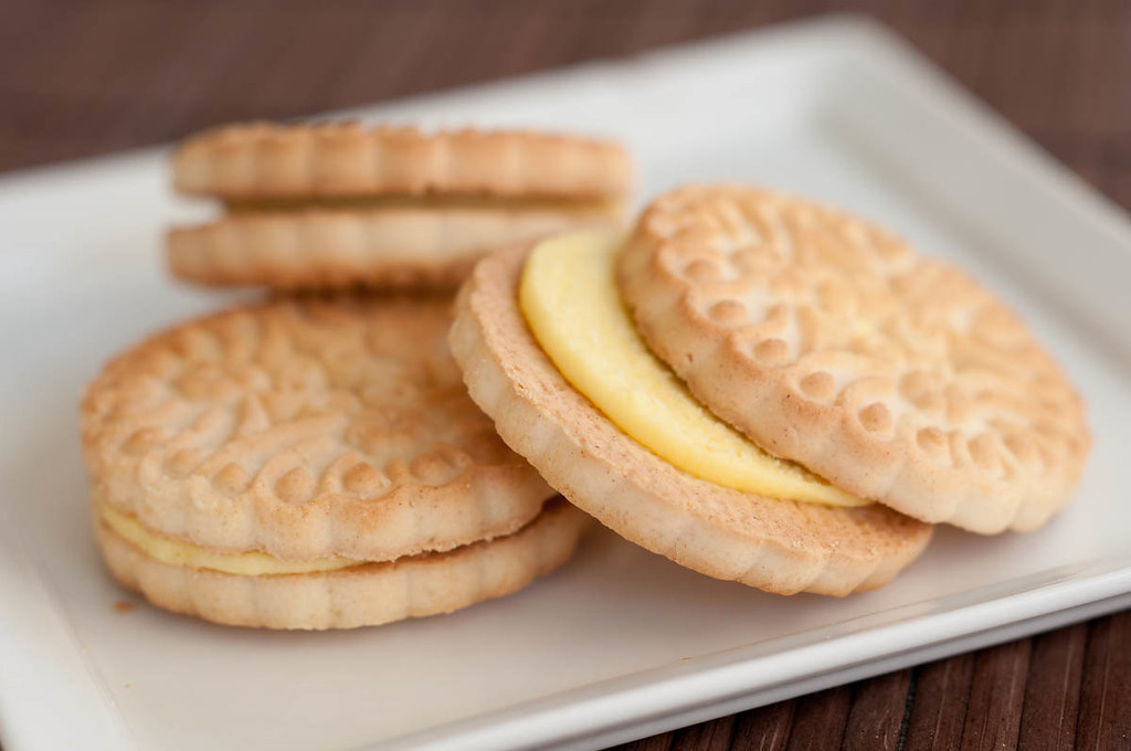 Soft egg free lemon cookies
