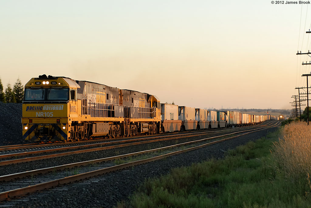 NR105 and NR95 at Beveridge with 2MB4 by James Brook