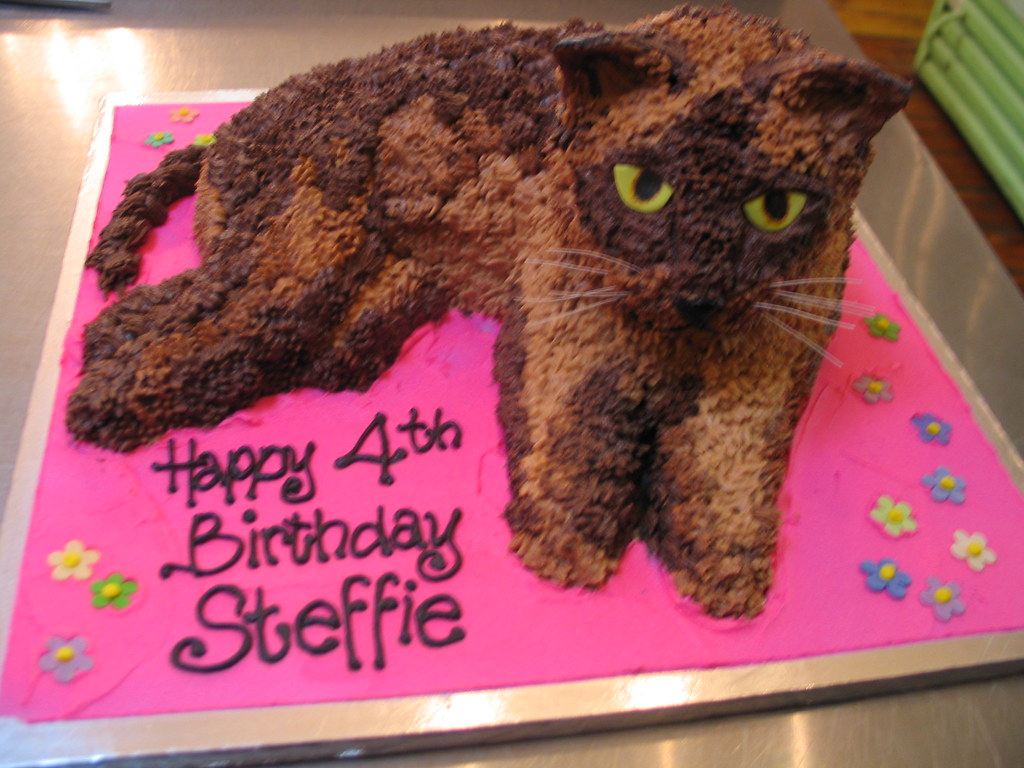 3D Burmese Cat Shaped Cake