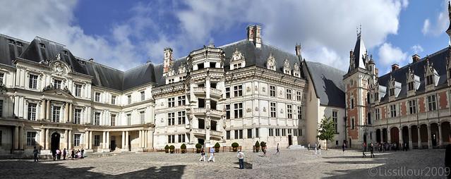 Chateau Blois castle UNESCO site France 2009 passez souris sur l'image Cross mouse on the image