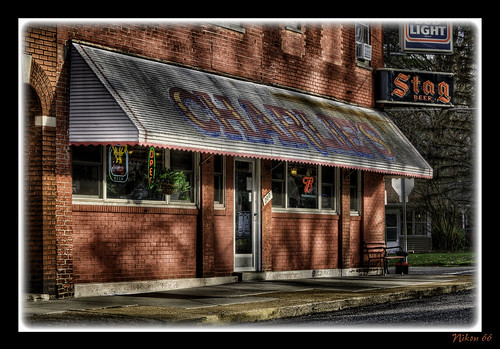 bar restaurant illinois nikon belleville tavern d300 brainsandwich charlieslounge 70200mmf28nikkor ©copyright