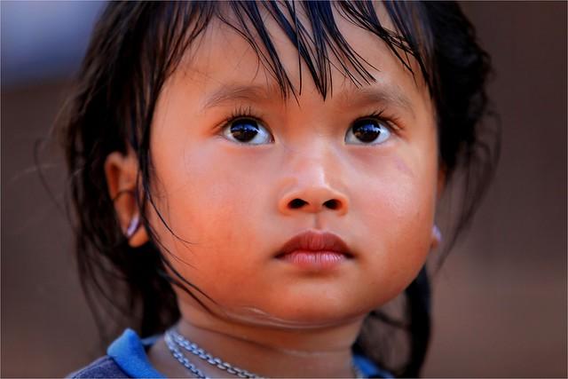Laos: dans le village de Ban Dong (ethnie des Phu Noy).