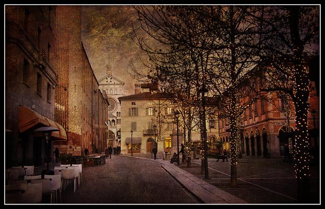 Cremona: addobbi natalizi