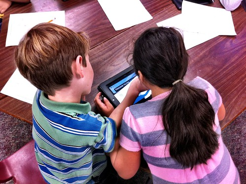 2nd Graders using Build A Bird app on the iPad | by Barrett Web Coordinator