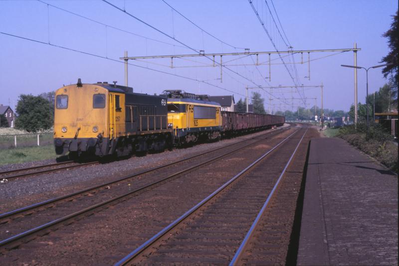 08422212-5506 Horst-Sevenum 4 mei 1989 by peter_schoeber
