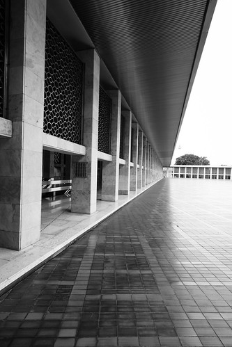 Istiqlal Mosque | by Matthew Kenwrick