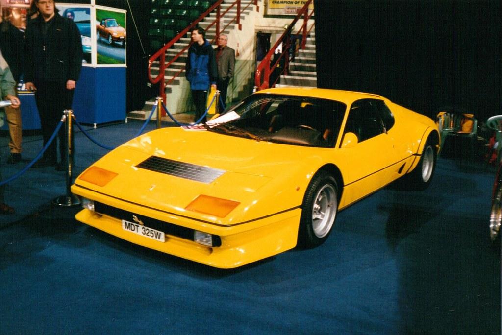 Ferrari (512 Berlinetta Boxer BB) yellow