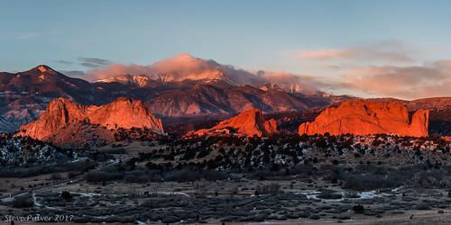 gardenofthegods pikespeak landscape coloradosprings colorado sunrise panorama
