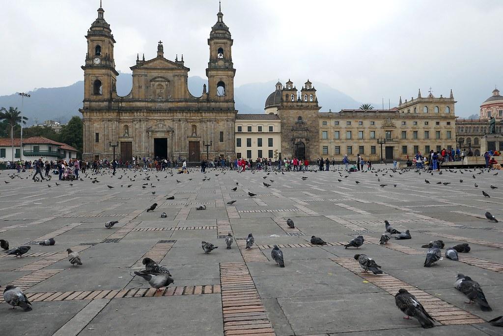 Resultado de imagen para plaza de bolivar bogota