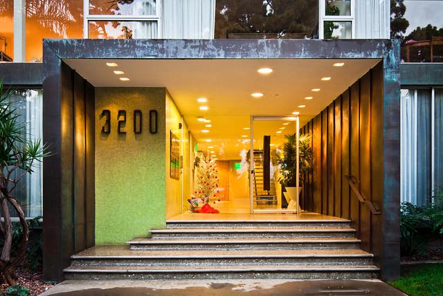 Salomon Apartments
