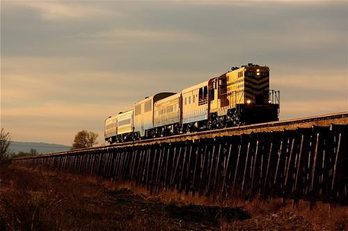 railroad train railway passenger sera gp7 sierranorthern exursion