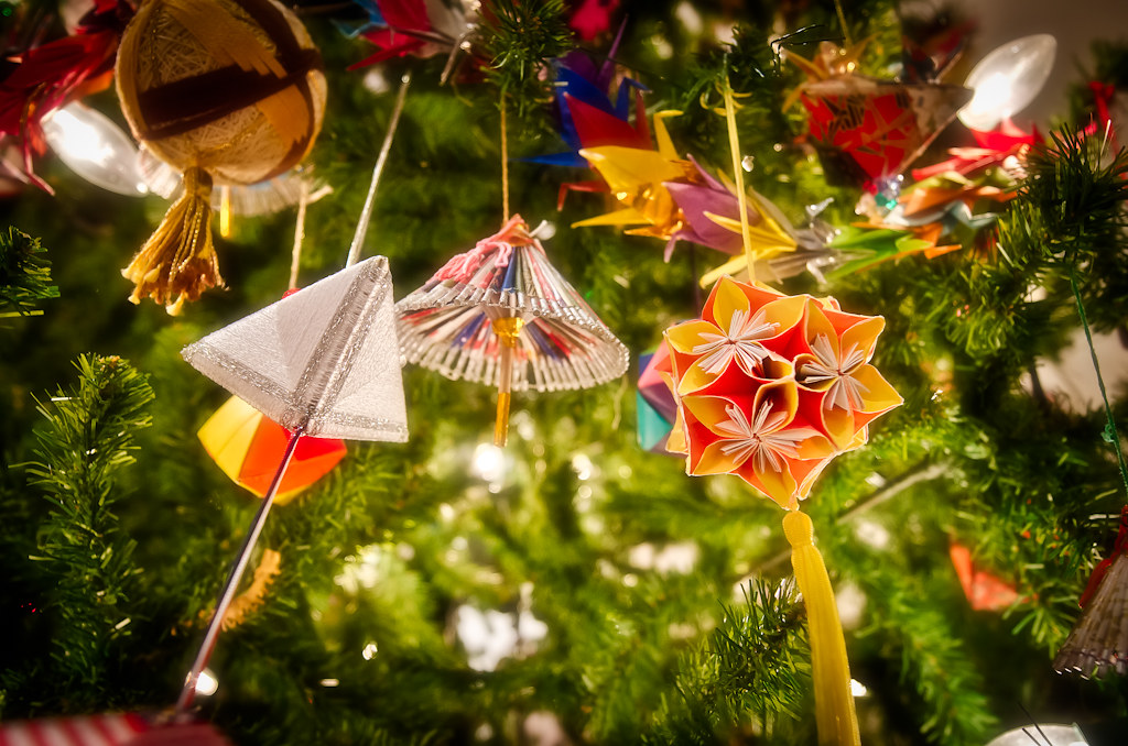 Japanese Christmas Tree Ornaments.Ornaments From The Japan Christmas Tree Gracetrivino Com 2
