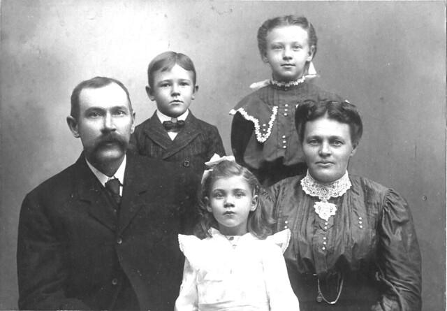 Harvey L. Wakeman family (obverse)