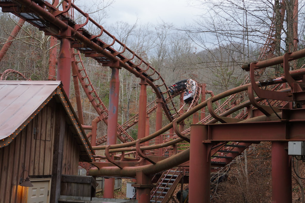 Tennessee Tornado Roller Coaster | Dollywood - Pigeon Forge