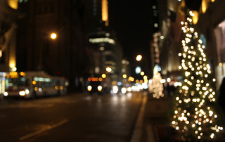 5th Avenue buses | by @NYCphotos-flickr