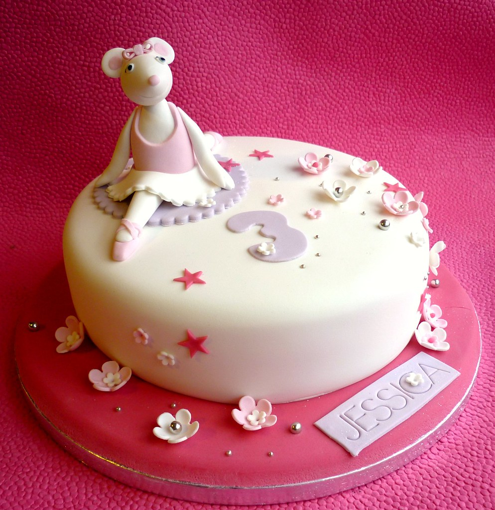 Brilliant Angelina Ballerina Birthday Cake A Cake For An Angelina Ba Flickr Personalised Birthday Cards Paralily Jamesorg