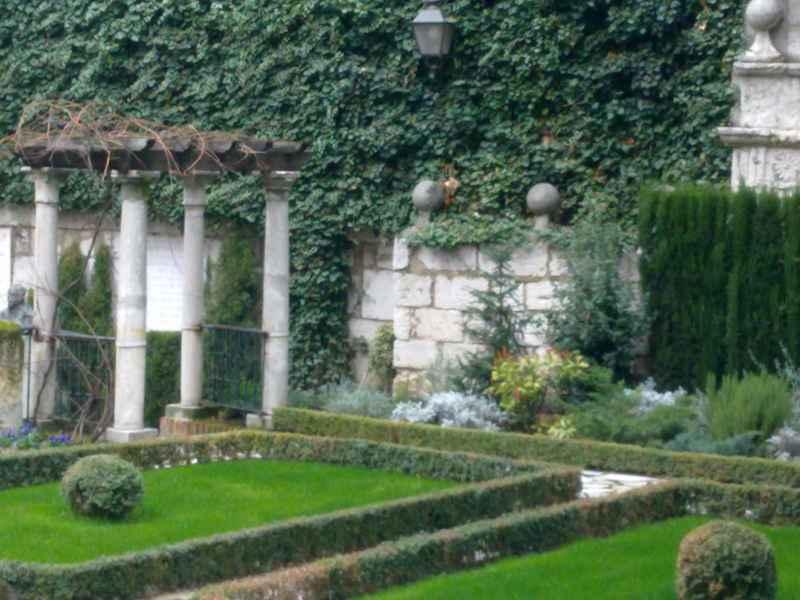 Jardín de la Casa Cervantes 8