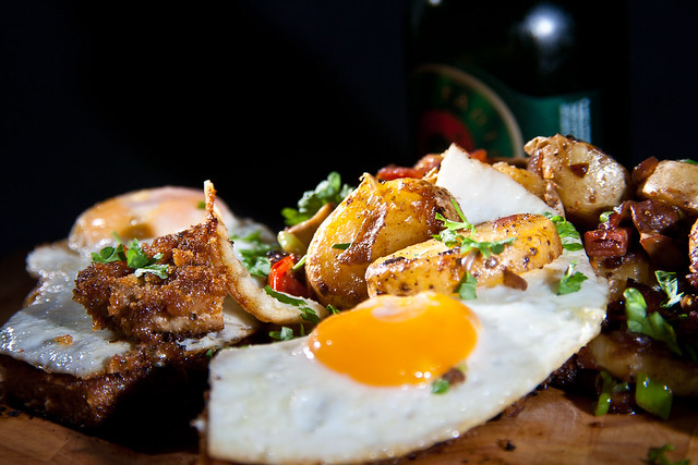 #005 - Hamburger Schnitzel mit Bratkartoffeln