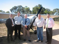 Thom_Brian_lhs_Walker Martin, x , x , Piccolo_Tony_MP rhs_90th_anniversary_flight_ adelaide_to_gawler_airmail_ 23nov2007_bt