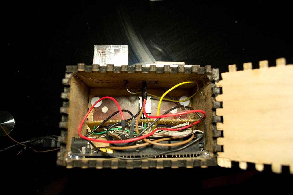 My GPS-set ticking digital clock | It's made with an Arduino
