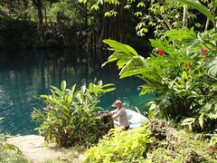 wo, 28/09/2011 - 06:18 - 030. Was spoelen in een Blue Hole in Vanuatu