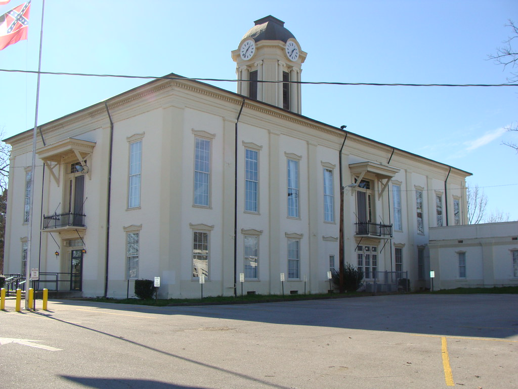 Monroe County Court House (Aberdeen, Ms )---NRHP | Built in