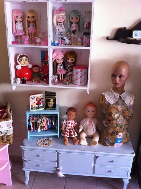 Vintage & new dolls ...((:
