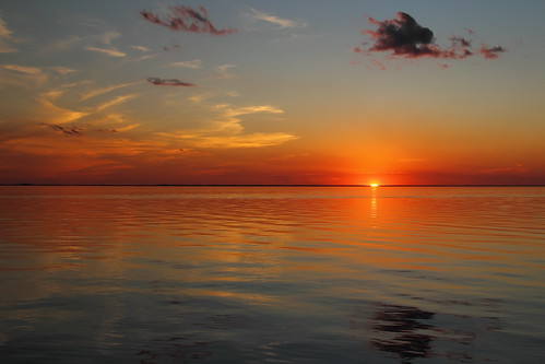 sunset sky lake reflection clouds twilight southcarolina lakemoultrie mdggraphix bonneaubeach lowcountrysunsets