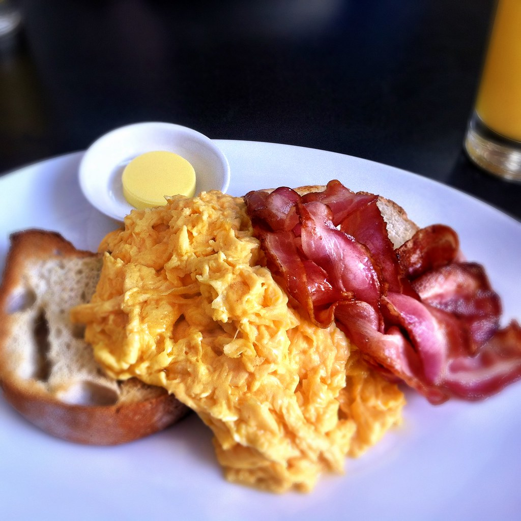 Scrambled eggs on toast with bacon at Speakeasy | Best scram… | Flickr