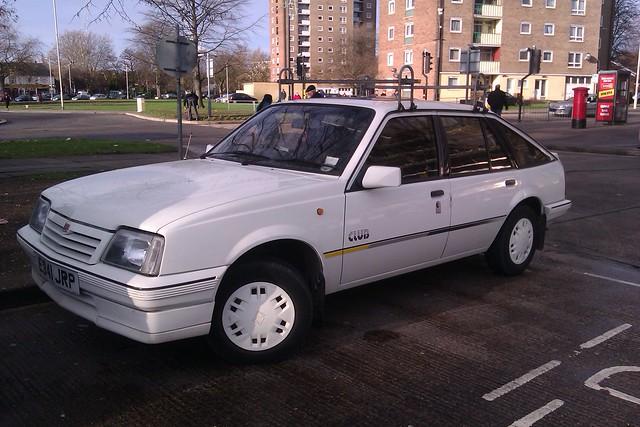 Vauxhall Cavalier Club E341JRP